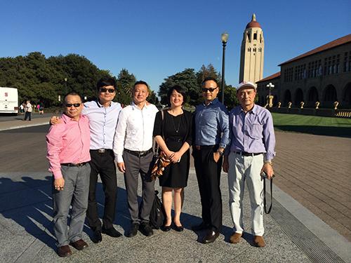 斯坦福大学校园合影-国庆黄金周亨瑞团队赴美项目考察图片